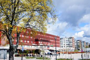 Bilden föreställer en vy över torget i Timrå