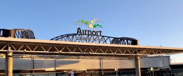 Bilden föreställer Sundsvall Timrå Airports fasad.