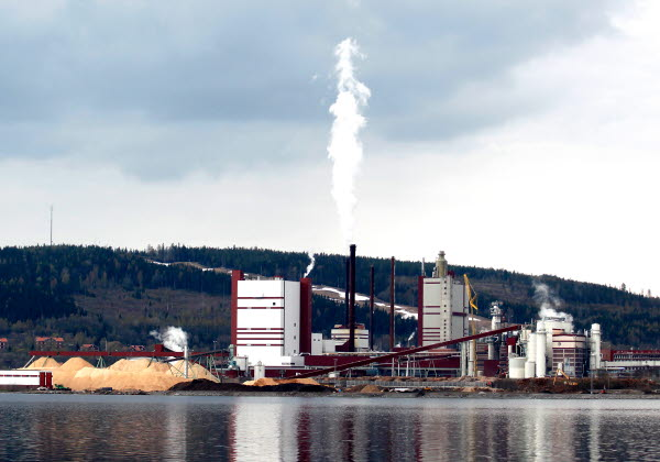 Bilden föreställer Östrands massafabrik
