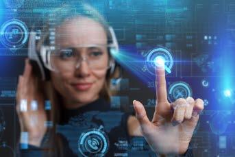 Bilden föreställer en kvinna som pekar på digitala symboler.