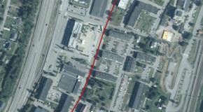 Kartbild över Timrå centrum. En röd linje är dragen efter Köpmangatan där vägarbetet kommer att påbörjas.