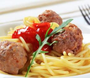 Bilden visar spaghetti med köttbullar