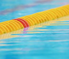Bilden föreställer en banavdelare i en simbassäng